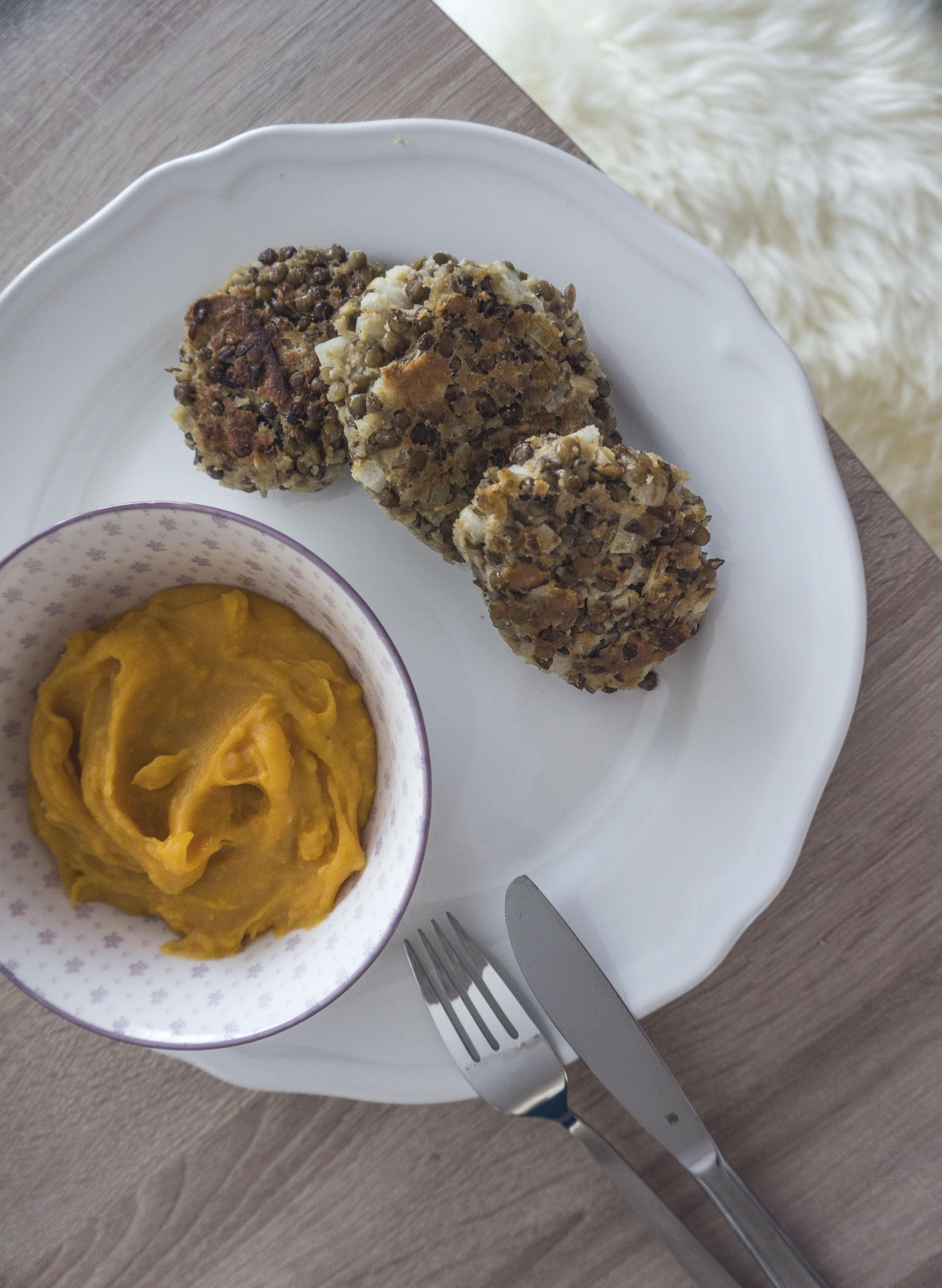 Linsenlaibchen & Süßkartoffelpüree